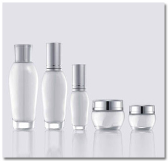 Cosmetic bottle, glass lotion bottles manufacturer – Value Chain Glass